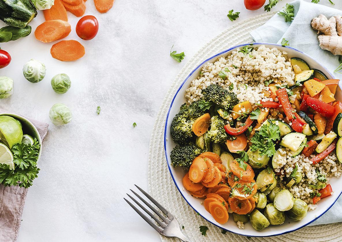 Assiette de légumes, manger sainement et healthy